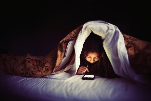 6 bí kíp giúp bạn cày game mobile thoải mãi song vẫn trẻ khỏe 3