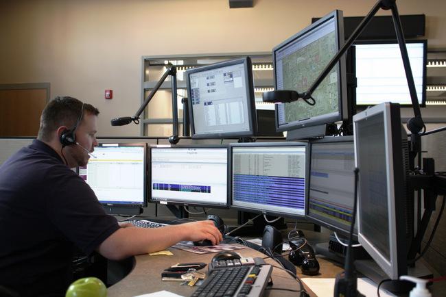 Mải chơi game trong giờ làm việc, một cảnh sát Mỹ bị giáng chức